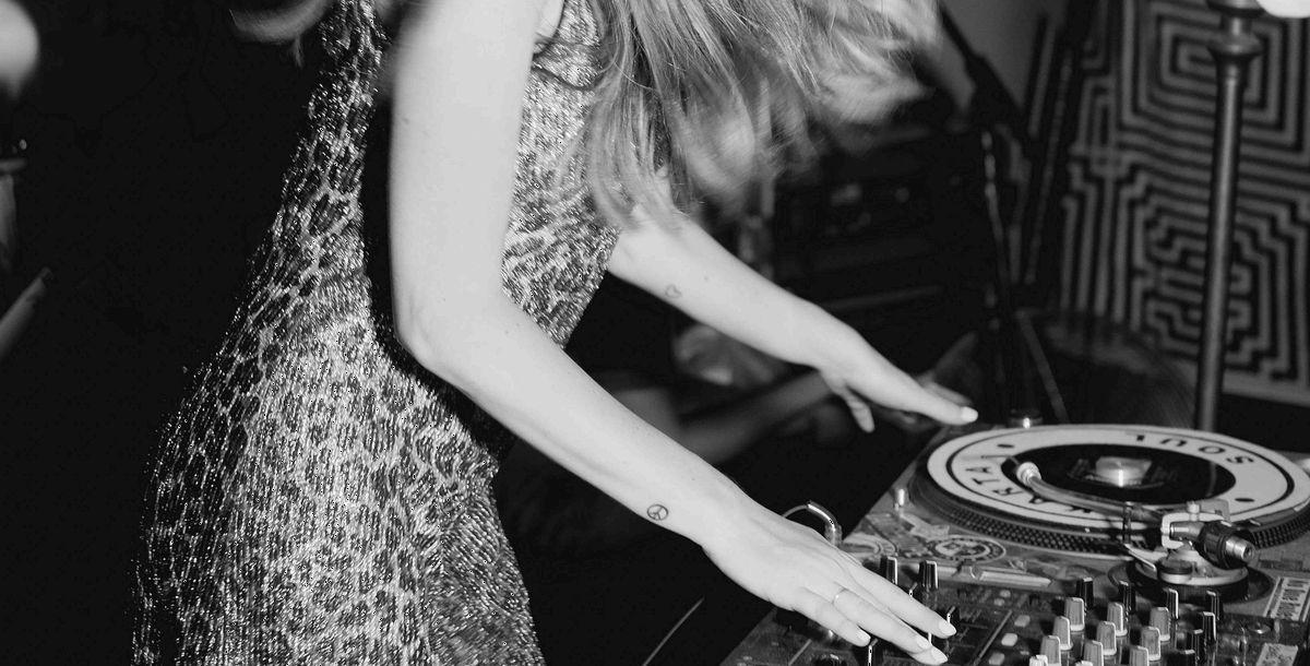 DJane Nina Hepburn: Progressiv und voller Spannung