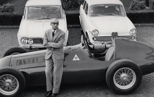 Storie Alfa Romeo: Polizeieinsatz