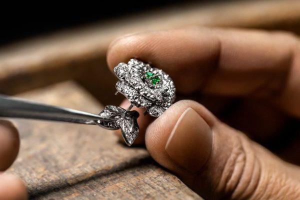 Luxus von Dior: Bei Shots im Blickpunkt