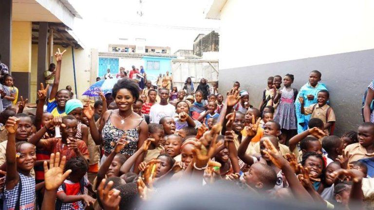Charity: Model sammelt bei GoFundMe für ihre afrikanische Grundschule