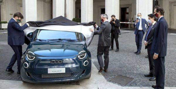 Der Fiat 500 ist hoher Besuch