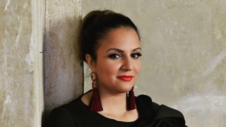 Saina Bayatpour: Unternehmerin aus Überzeugung