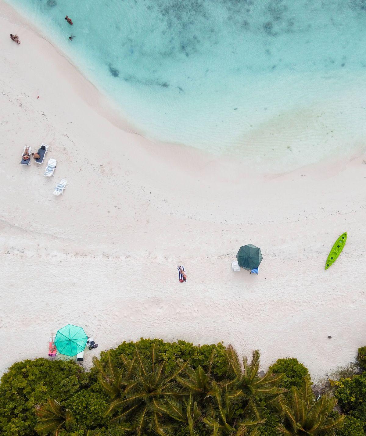 Wer während der Corona-Pandemie vom Valentinstag auf den Maledvien träumt, dem ist nicht mehr zu helfen.